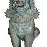 Chinese bronze Lion guard figure